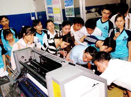 chương trình tuyển sinh viên thực tập MOA